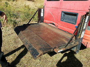 Power Tailgate 1000 Pound Rated Eagle Hydraulic Liftgate Model 38x