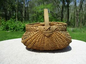 Nice Small Size Antique Splint Gathering Basket With Patina