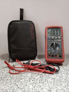 Matco Md582 Volt Meter With Leads In Case A zz