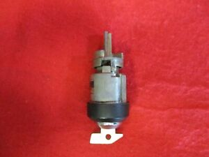 Used Porsche 72 76 914 4 Ignition Switch Lock Assembly Key 914 347 903 02