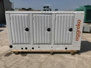 _200 Kw Cummins Onan Generator Set Tier 3 12 Lead Reconnectable Low Hours