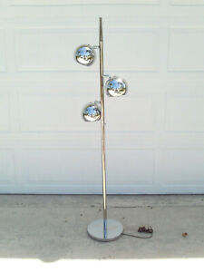Vintage Mid Century Modern Retro Space Age Chrome 3 Ball Floor Lamp