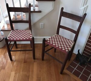 Antique Oak Thumb Back Chairs Pair W Woven Checkerboard Seats Exc Cond