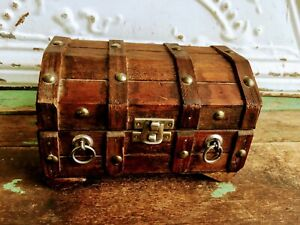 Vintage Treasure Chest Trunk Jewelry Box Wood Slat Planks