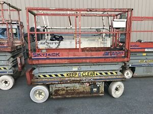 Skyjack Sj3320 20ft Electric Scissor Lift With Onboard Charger