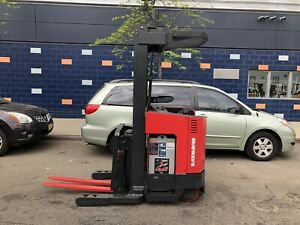 Raymond Forklift Reach Truck 3000lb 211 Lift W reach 95 Tall Hd Battery