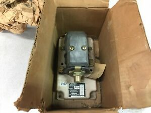 New Clark Dc 68 Contunuous Coil Amps Instantaneous Overload Relay 28ui3 68