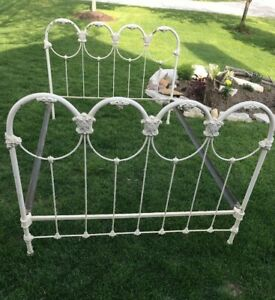 Antique Ornate Cast Iron Full Size Bed W Rails Sanitaire