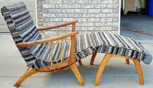 Vintage Mid Century Mod Lounge Chair And Ottoman