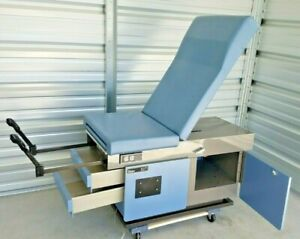 Midmark ritter 107 Power Exam Table With Foot Control