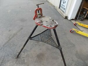 Ridgid 40 A Tri stand And Vise Good Condition