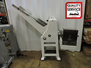 Oliver 797 48 1 2 Gravity Feed Bread Slicer W Swing Away Bagger Included