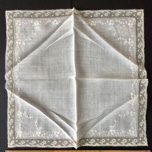 Antique Lady S Handkerchief Fine Lawn With 2cm Edge Of Very Fine Lace