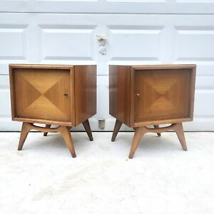 Pair Mid Century Modern Nightstands