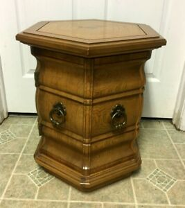 Vtg Thomasville Furniture Hexagon Solid Wood End Table Nightstand Oak Finish