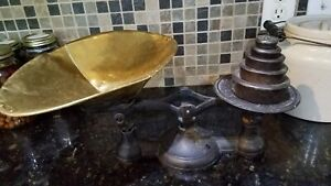 Counter Balance Scale Weights New York Cast Iron With 5 Piece Weight Set