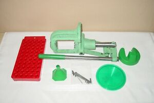 RCBS ROCK CHUCKER SINGLE STAGE RELOADING PRESS WITH PRIMING ARM AND EXTRAS