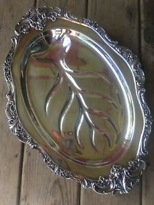 Wallace Baroque 255 Silver Plate Meat Well Serving Tray 17 1 2 Footed