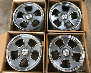 20x8 20x9 5 Us Mag Boulevard 5 Lug Classic Truck Staggered Package