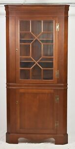 Craftique Mahogany Chippendale Style Corner Cabinet With 13 Glass Panels