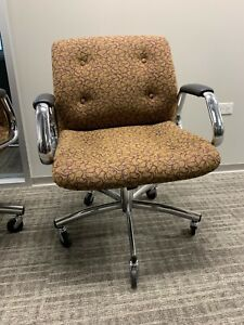 Steelcase Swivel Office Arm Chair Mid Century Vintage Chrome Good Condition