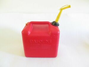 Chilton Plastic Vented 5 Gallon Gas Can With Spout P500