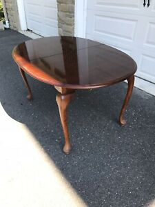 Queen Anne Dining Table Hardwood With Leaves And Pads