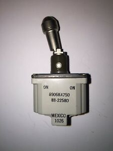 Quantity Of 35 Cutler hammer Dpdt Toggle Switch 8906k4750 brand New