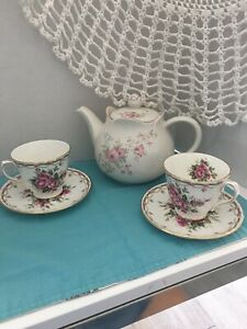 English Tea Cups And Saucers Bridal Shower Lot Of 2 Teacups And A Teapot