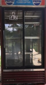True Glass 2 door Sliding Glass Beverage Cooler Refrigerator Merchandiser 40x76