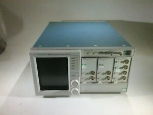 Tektronix 11403a Color Digitizing Oscilloscope 11a34 2 11a72 Modules