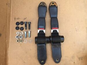 Porsche 944 Turbo Rear Seat Belt Buckle Receiver Set