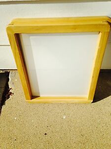 12 Hard Wood Silkscreen Frame With White Multi filament Fabric 20 X 24 Mesh 155