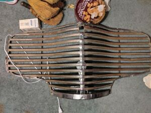 Vtg 1940 Chevrolet Grill Grille Oem Chevy Straight Great Condition Lamp