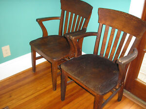 Lot Of 2 Antique Heywood Wakefield Banker Chair Style Reception Office Chairs