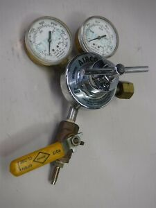 Used Airco Acetylene Regulator Model Model 806 9622 555 Cga K8