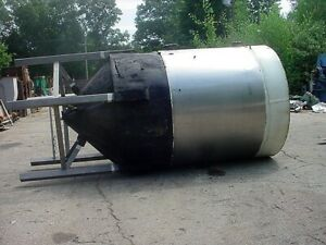 1468 Gallon Stainless Steel Jacketed Tank Cone Bottom Fermentor From Brewery
