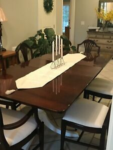 Antique Mahogany 1940 S Duncan Phyfe Dining Set