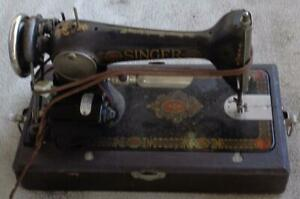 Antique Electric Singer Sewing Machine With Light 1910 S G8007259 W Case