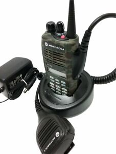 Motorola Ht1250 Uhf Tactical Camouflage Two Way Radio 403 470 Mhz 128 channel 4w