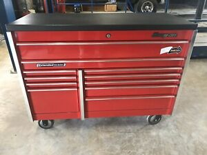 Snap on Tools 11 Drawer Red Toolbox W bedliner Black Top pickup Only Austin Tx