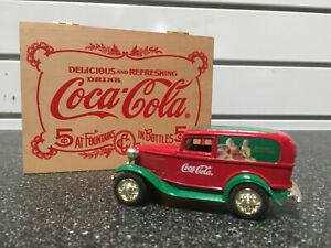 COCa-COLA CHRISTMAS 1932 FORD Panel Delivery Truck In Decorative Wooden Box- NEW
