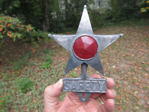 Antique Vintage Safety Star With Red Jewel License Plate Topper 6 1 2 Aluminum