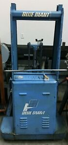 Blue Giant Pallet Lift Pa 58 With A Welded Steel Table For Lifting Heavy Items