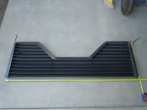 5th Wheel Louvered Tailgate Black Steel