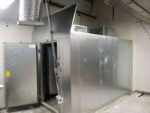 1 Year Old Self Contained Walk in Refrigerator Freezer Combo 12 X 7 X 7 7