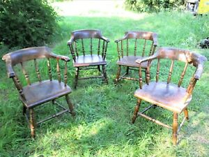 Antique Set Of Four 19th Century Lowback Windsor Captains Chairs
