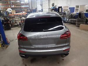 15 16 Cayenne Liftgate W Spoiler W Privacy Glass W O Darkened Lens W Camera