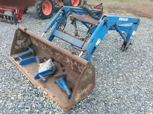 New Holland 7308 Loader Off Nh Tractor Has Brackets But No Loader Valve Tc