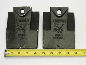 lot Of 2 Bobcat 7102097 Skid Steer loader Flare Dirt Bucket Teeth
